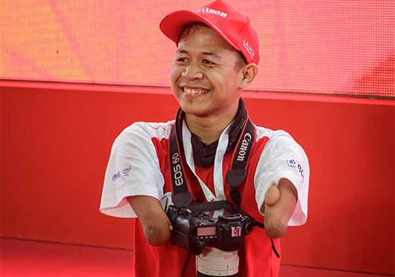 Bang Dzoel: No Hands, No Legs. Just an Indomitable Spirit to Excel